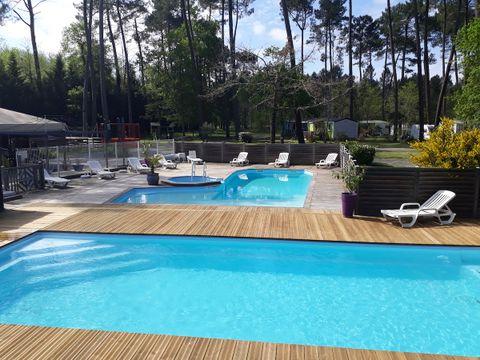 Camping Vert Bord D'eau - Camping Gironde