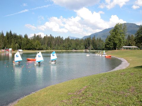 Camping Les locations de Mobil-homes Chevrot Loisirs - Camping Haute-Savoie - Image N°3