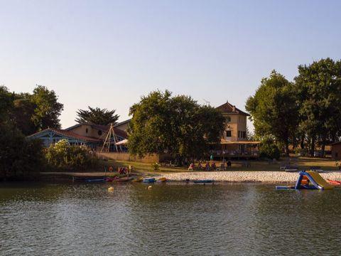 Camping Domaine Lacs de Gascogne - Whaka Lodge - Camping Gers - Image N°8