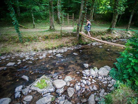 Village de Vacances Les Chalets de la Gazonne - Camping Aveyron - Image N°5