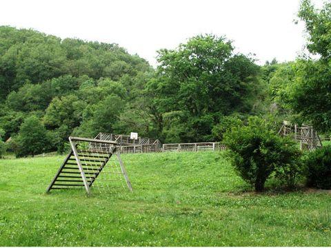 Village de Vacances Les Chalets de la Gazonne - Camping Aveyron - Image N°4