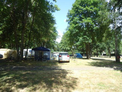 Camping des Prairies d'Auvergne - Camping Puy-de-Dome - Image N°6