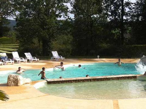 Camping Domaine des Grands Pins  - Camping Dordogne - Image N°3