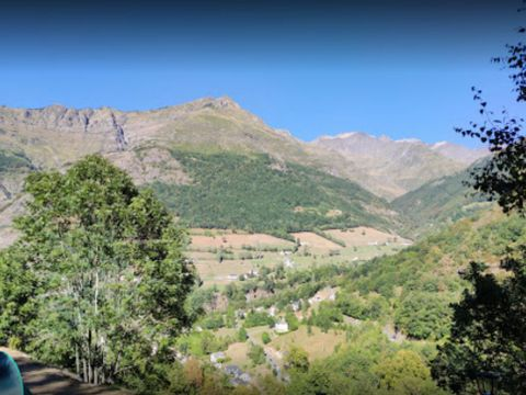 Camping aire naturelle Les Tilleuls - Camping Hautes-Pyrenees - Image N°2