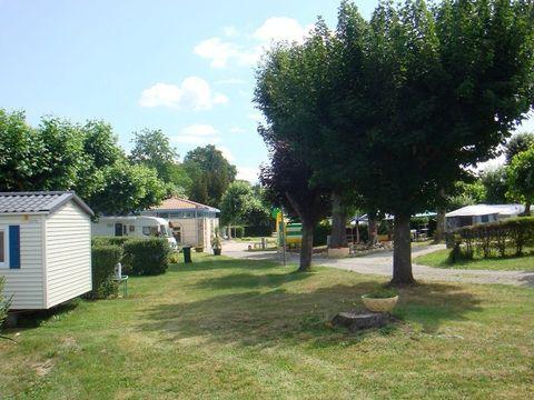 Camping Parc Du Chateau - Camping Vosges - Image N°4