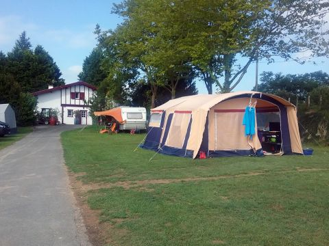Camping aire naturelle Ephera - Camping Pyrenees-Atlantiques