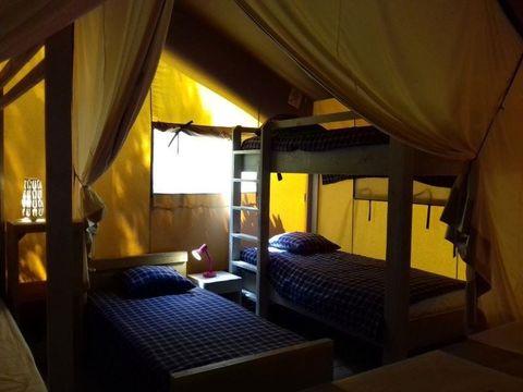 TENTE TOILE ET BOIS 5 personnes - Lodge Safari (sans sanitaires)