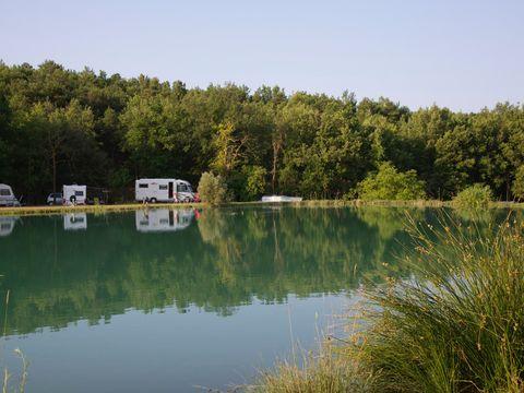 Alpes-de-Haute-Provence  Domaine Naturiste Petit Arlane - Camping Alpes-de-Haute-Provence - Afbeelding N°3