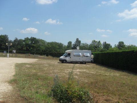 Aire de Camping Cars De Nauton - Camping Landes - Image N°2