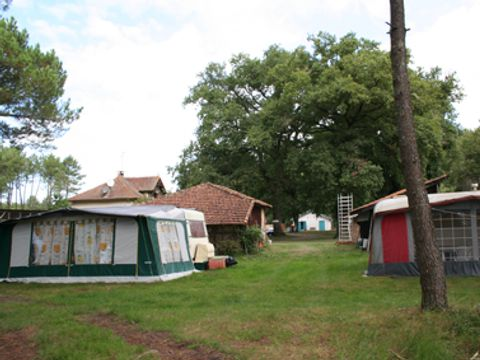 Camping aire naturelle de Perroy - Camping Landes