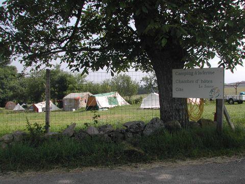 Camping à la ferme La Source - Camping Cantal - Image N°2