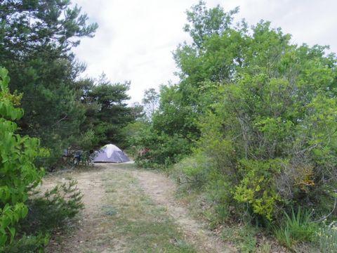 Camping A La Ferme Les Pins - Camping Drome