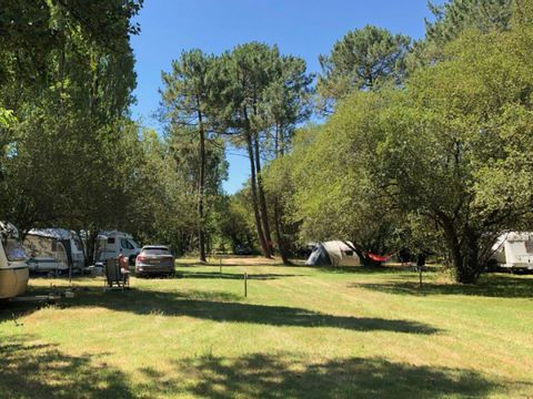 Camping aire naturelle Laouba - Camping Gironde