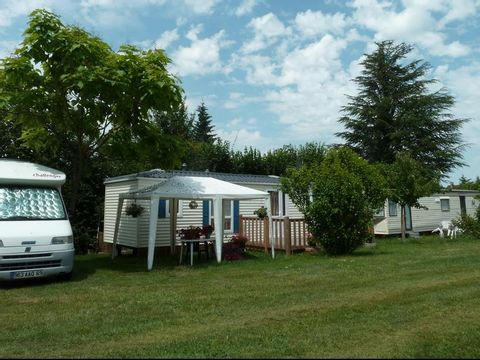 Camping aire naturelle De Mont-chardon - Camping Isere