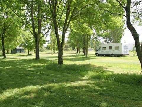 Camping à la Ferme de Vinay Michel and Angie - Camping Charente-Maritime