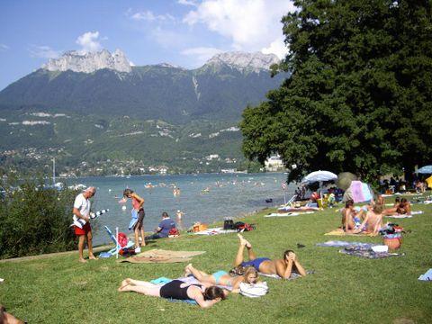 Camping Les Champs Fleuris - Camping Haute-Savoie