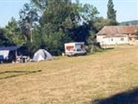 Aire Naturelle De Camping À La Ferme - Camping Saone-et-Loire - Image N°2