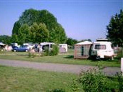 Camping Municipal De Bonnes - Camping Vienne - Image N°2