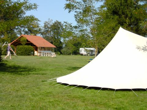 Camping à la ferme Domaine du Bourg - Camping Allier