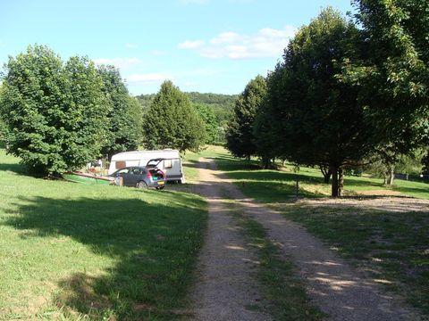 Camping Municipal - Camping Nievre - Image N°3