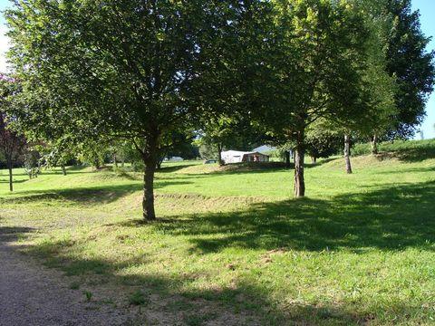 Camping Municipal - Camping Nievre - Image N°2