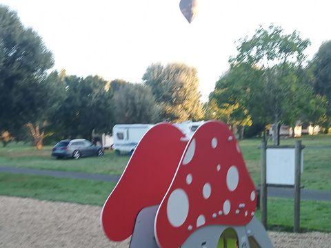 Camping Au Bord de Loire - Camping Maine-et-Loire - Image N°9