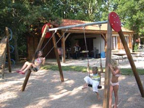 Camping municipal La Croix D'arles - Camping Haute-Marne - Image N°2