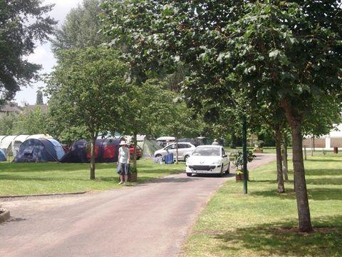 Camping Municipal Le Port - Camping Sarthe - Image N°3