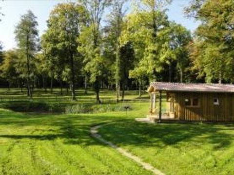 Flower Camping le Domaine du Buisson - Camping Alta Marna - Image N°2