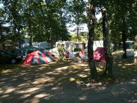 Aire Naturelle Houn De L'Or - Camping Landes
