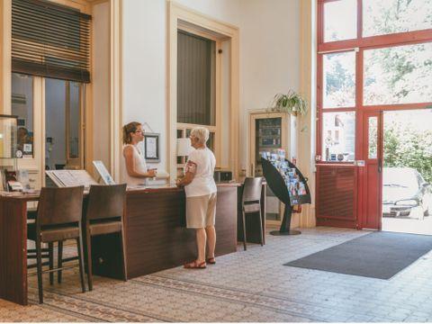 Appart'Hôtel Le Splendid d'Allevard - Camping Isere - Image N°8