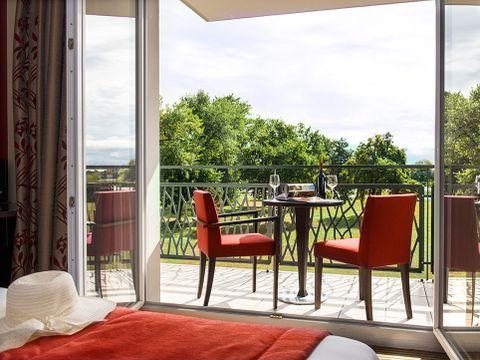 Hôtel & Résidence La Villa du Lac - Camping Ain - Image N°4