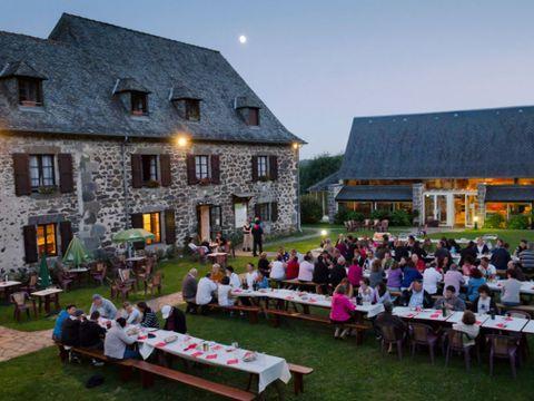 Residence Brommat en Carladez - Camping Aveyron - Image N°2