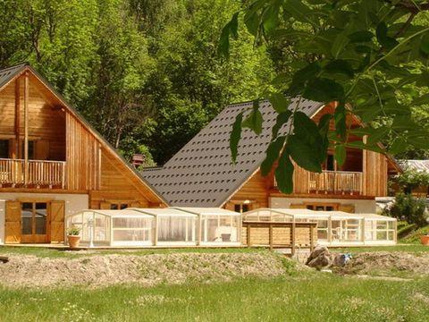 Chalet La Lauze - Camping Isere
