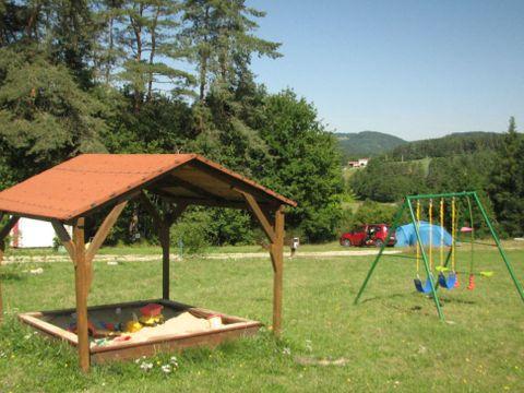 Camping La Vallee Verte - Camping Puy-de-Dome - Image N°3