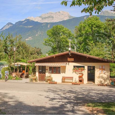 Camping Le Verger Fleuri - Camping Haute-Savoie