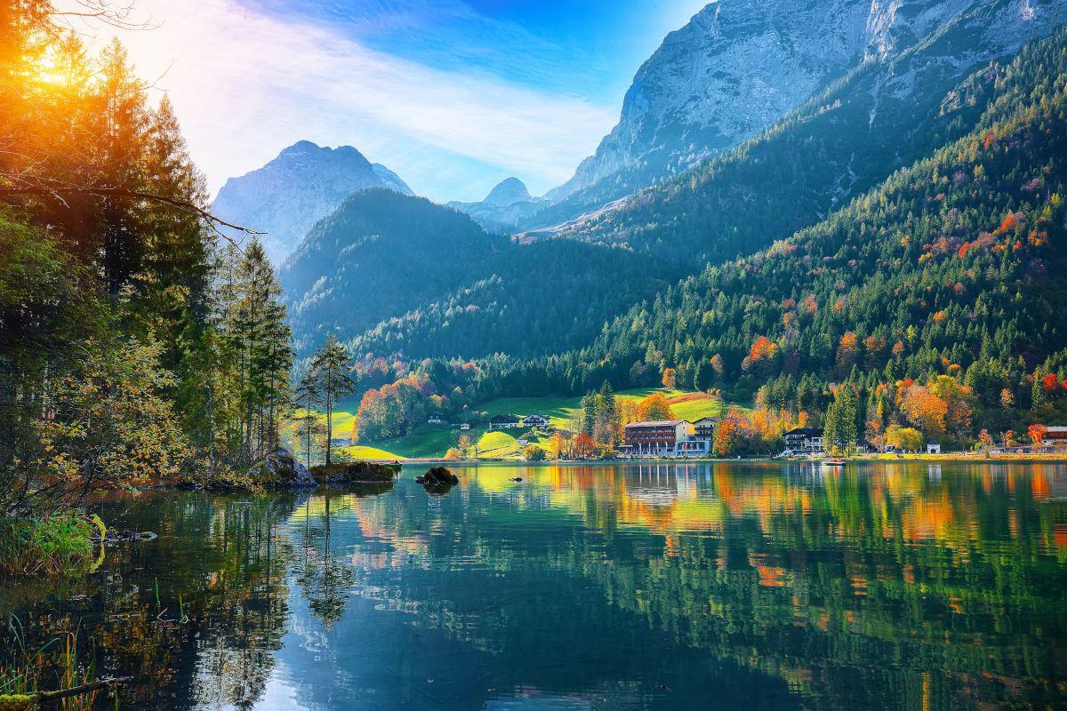 Lake-Hintersee-Berchtesgadener-National-Park-Bavaria-Duitsland